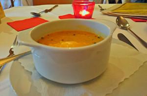 Suppe zum günstigen Mittagstisch im Kashmir