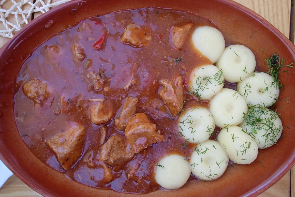 polsk mad i kro Harnas